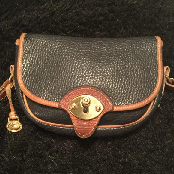 Dooney & Bourke Handbags - Dooney & Bourke Vintage Bag